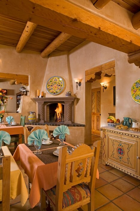 El Farolito Dining Room